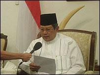 Presiden Yudhoyono menanggapi pernyataan saingan politik